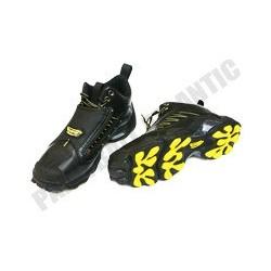 Paire de chaussures basses JT 40.5
